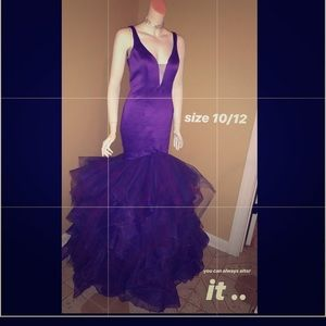 Purple prom gown . Worn 4 hours .